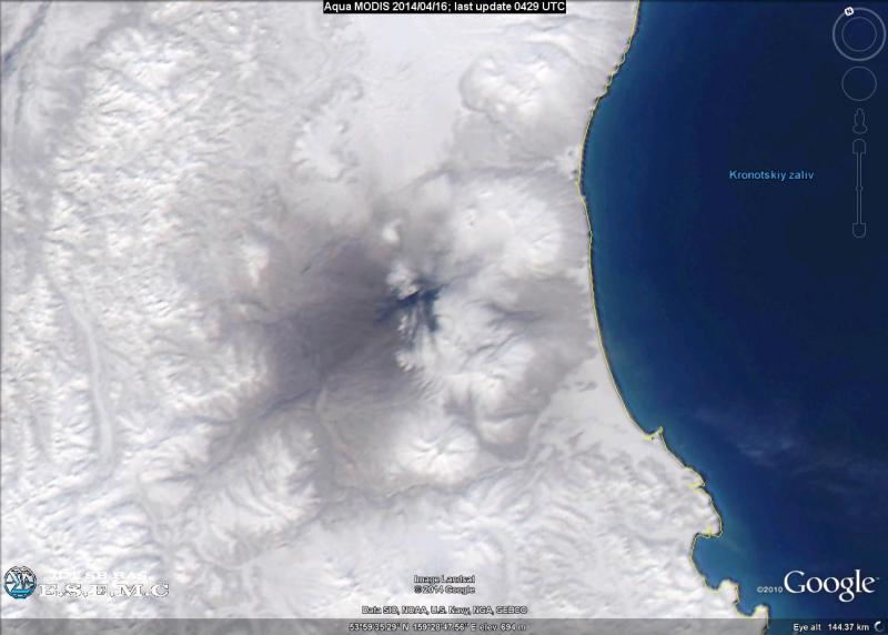 Изображение вулкана Карымский получено сенсором MODIS на спутнике AQUA